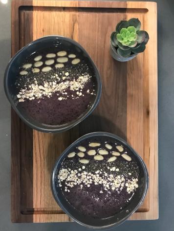 blueberry smoothie bowl